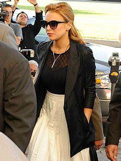 Fashion Criminal Lindsay Lohan by Lindsay Lohan Fashion Choices At Court Neon