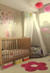 Toddler Bedroom Curtains Toddler Girls Room I Like The Corner Cushion With Netting