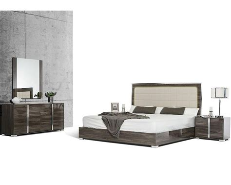 bedroom furniture made in italy grey made in italy bedroom set in modern style 44b118set