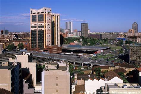 grattacieli porta garibaldi milanofoto archivio immagini di gt 20050507 127