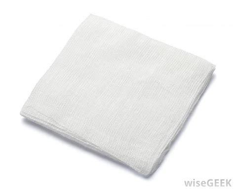 how to a to on a pad what is a gauze pad with pictures