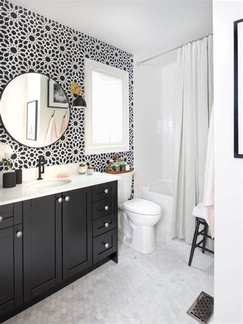 black and white bathroom accent color 150 banheiros decorados fotos modelos in 233 ditos