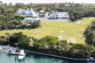 tiger woods house exclusive tick tock tiger woods needs to pay ex wife 54 5 million in 349 days or lose