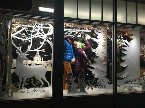 window display 187 retail design 28 images office