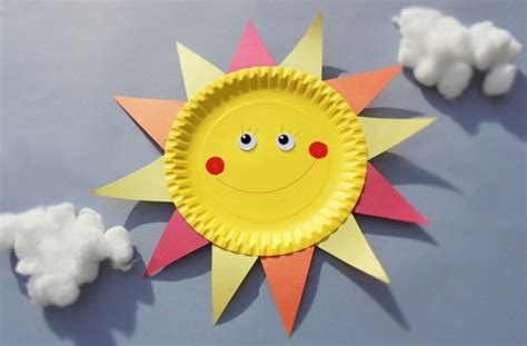 How To Make A Phlet Out Of Paper - paper plate crafts how to make a sun goodtoknow