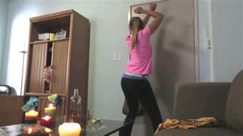 girl twerking in bathroom jimmy kimmel behind flaming twerking video talk show