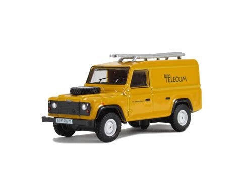 Oxford Land Rover Christmast 2010 hattons co uk oxford diecast 76def005 land rover defender telecom