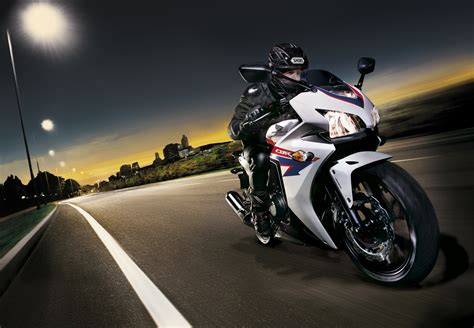 Versicherung F R Motorrad 500 Ccm by Honda Cbr 500 R 2013 Bilder Und Technische Daten