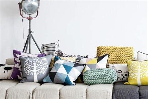cuscini per divani moderni foto cuscini per divani un tocco decorativo in casa