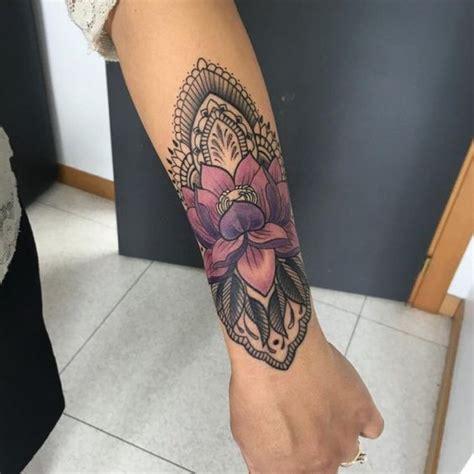 tattoo old school significato parte quarta unterarm tattoo frau mandala lotosblume farbe tattoo