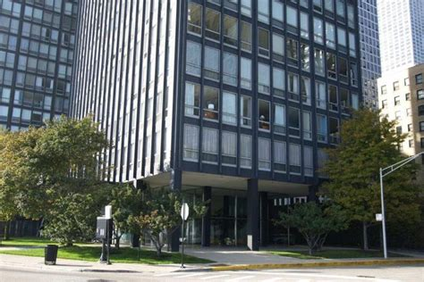 Apartments For Rent In Chicago Lake Shore Drive 860 880 Lake Shore Drive Apartments Chicago Illinois