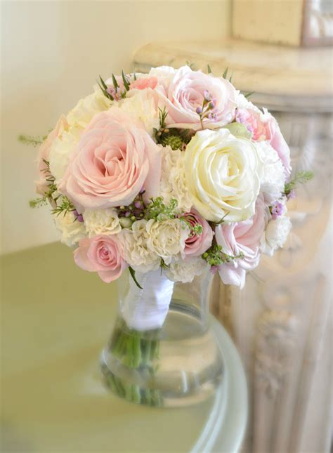 pink wedding flower bouquets pictures fawsley wedding flowers and cake ch 233 rie