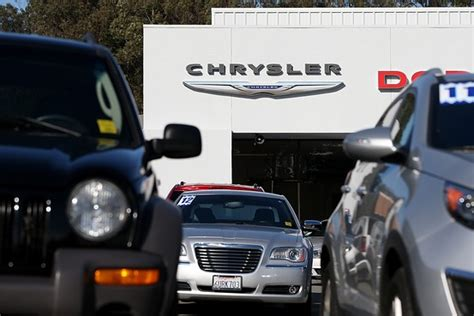 Chrysler Pension by Chrysler Revs Pension Plan For Salaried Workers Wsj