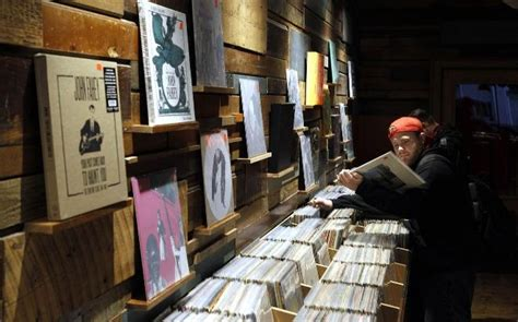 Milwaukee Wisconsin Records 1000 Images About Record Shops On Victrola Record Player Milwaukee And