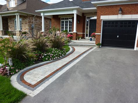 Front Garden Driveway Ideas Front Entrance Landscaping Front Yard Landscaping Interlocking Brick