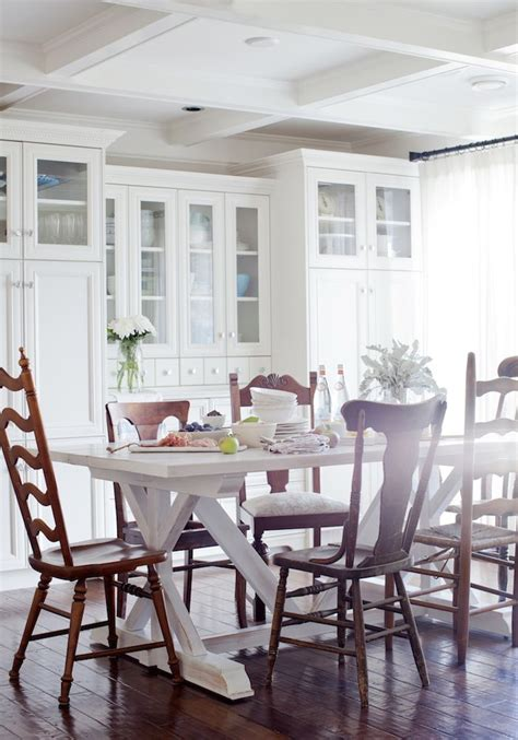 mismatched dining room chairs best 25 mismatched dining chairs ideas on