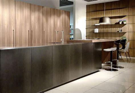 parete con mensole parete cucina con mensole pareti con mensole arredare le