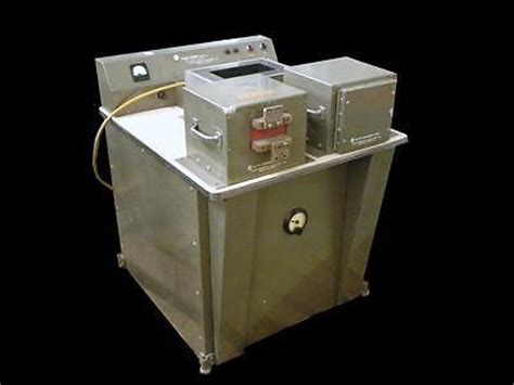 Hb Ar 7702 1 rfl model 942 magnet charger w hb 7707 wire fixture hb 7702 charger surplus select