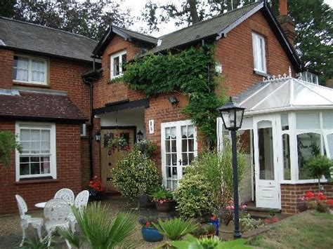 Surrey Cottages For Rent by Claremont Cottage B B Reviews Dorking Surrey Uk