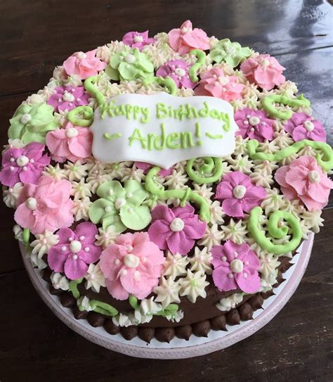 Cake Decorating Flowers Buttercream by Buttercream Flower Cake Cakecentral