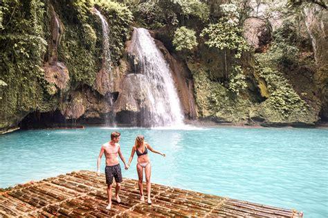 kawasan falls      moalboal wanderers