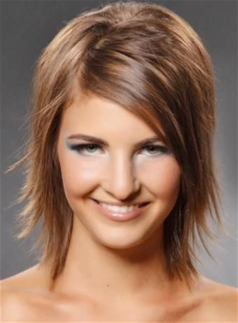 channel hair cut razor cut hairstyles for women out razor cut hairstyle