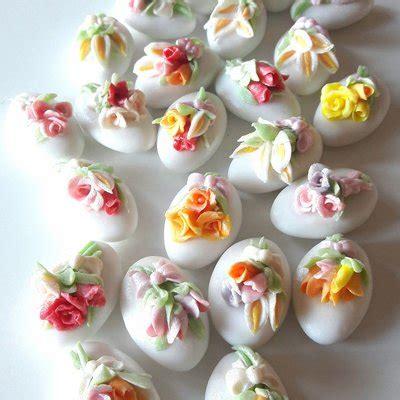 tema fiori matrimonio confetti decorati matrimonio fiori matrimonio tema