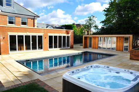 outdoor pool  jacuzzi