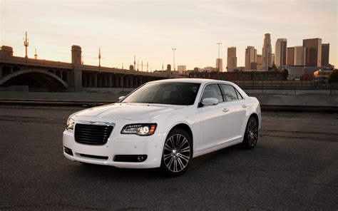Used Chrysler 300s by 2013 Chrysler 300s Front Three Quarters Static Photo 4