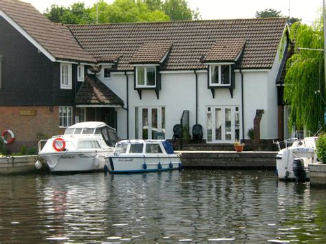 Peninsula Cottages Wroxham by 35 Bright Water Cottage Peninsula Cottages Wroxham