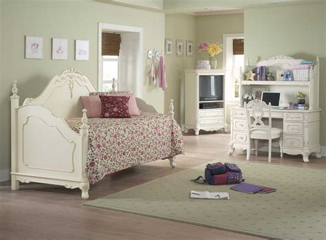 cinderella bedroom furniture homelegance cinderella daybed ecru 1386d at homelement com