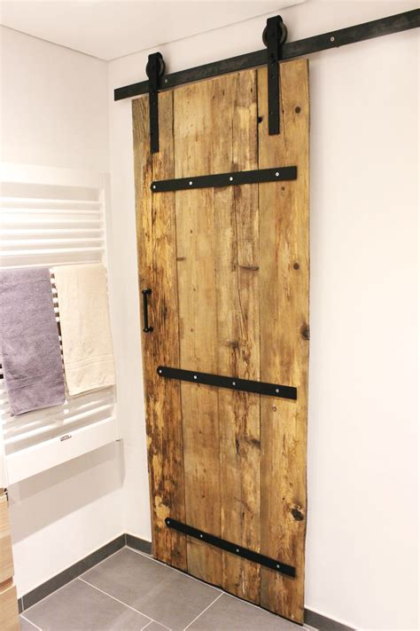 Sliding Barn Door Diy 25 Best Ideas About Diy Sliding Barn Door On Sliding Door Sliding Barn Doors And