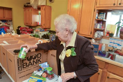 Food Pantries In San Antonio by Food Pantry Helps With Cooking Tips San Antonio Express News
