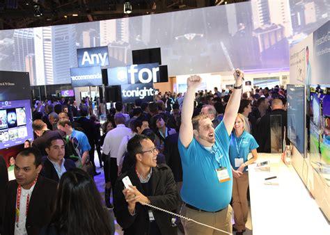 consumer electronics show  intel smartwatch