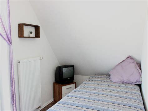 schlafzimmer einzelbett ferienhaus brigitte ostfriesische nordseek 252 ste