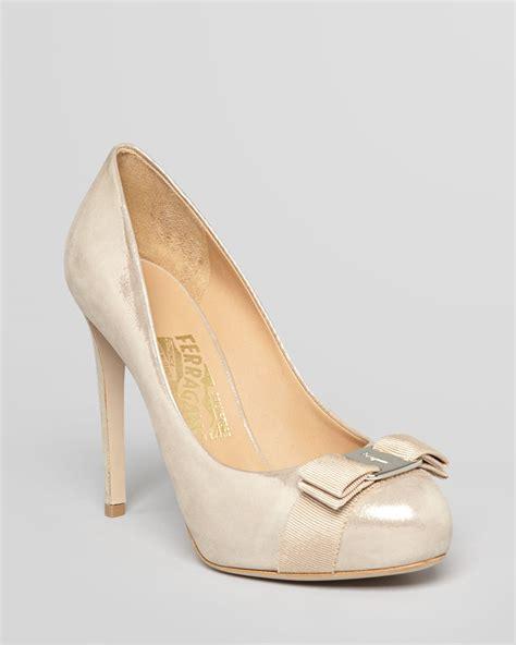 ferragamo high heels ferragamo logo bow platform pumps rilly high heel in beige
