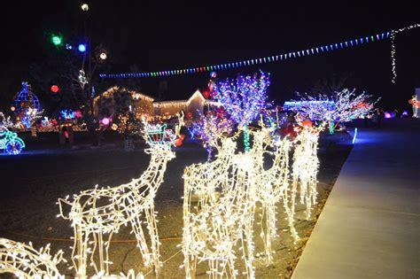mistletoe light show set to return thanksgiving week