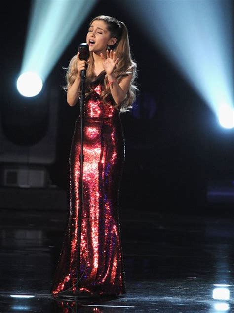 tattooed heart music awards ariana grande also performed her songs the way and