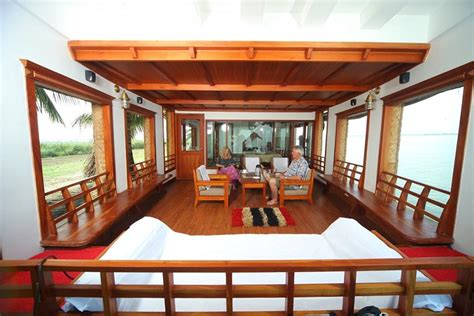 boat house stay in alleppey alleppey boat house interior images