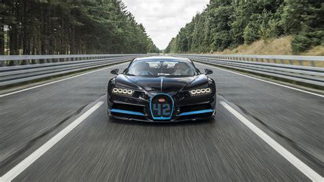 Bugatti Chiron Roadster by Tesla Roadster Vs Bugatti Chiron En De Rest Topgear