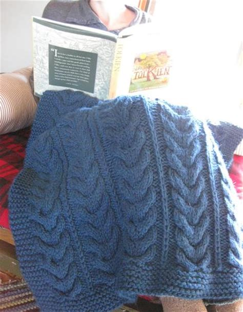 horseshoe cable knit pattern horseshoe cable throw knitting patterns and crochet
