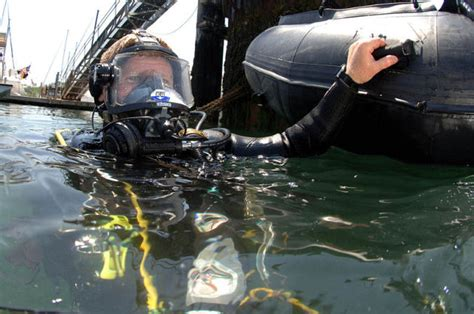 seahunter boats jobs seals assist in training port security divers navy seals