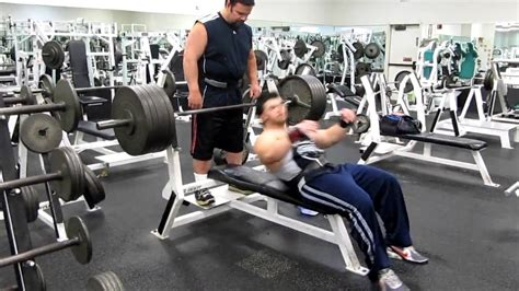 benching 500 lbs mark matthews 500 pound bench 20 years old youtube