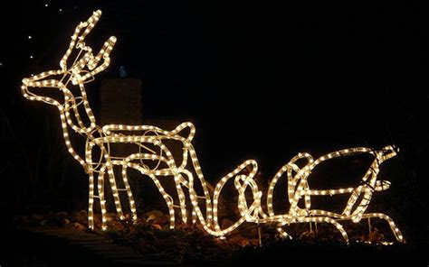 rope lighted christmas deer buying guide choose the right outdoor lights