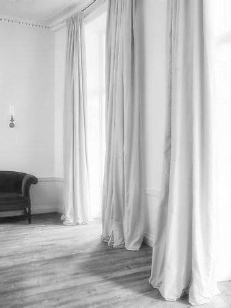 long grey curtains 25 best ideas about white curtains on pinterest