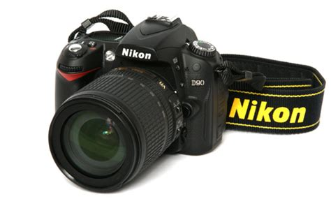 Kamera Nikon D90 trusted reviews