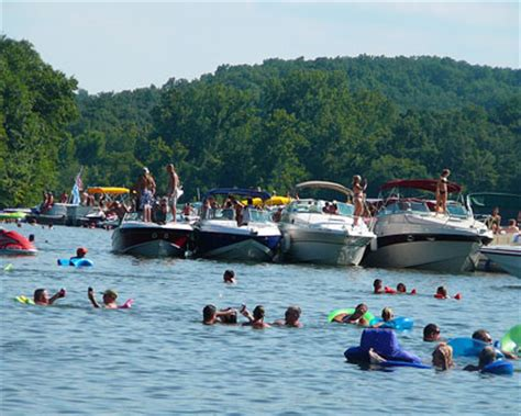 lake of ozarks boat rental close to party cove lake of the ozarks party cove lake of the ozark parties