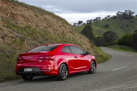 Kia Cerato Koup Specs Kia Cerato Koup Turbo Pricing And Specifications Photos