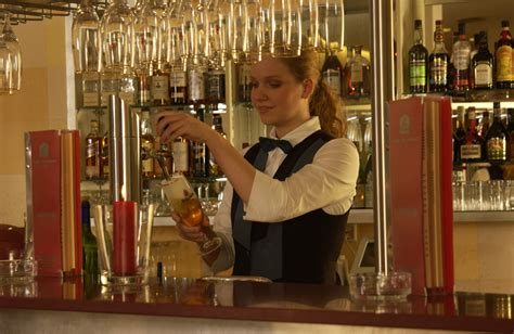 Gehaltsvorstellung Bewerbung 12 Oder 13 Gehalter stellenangebot restaurantfachfrau restaurantfachmann