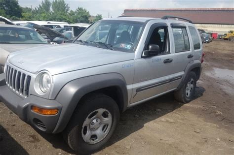 Jeep Liberty Parts 2003 Used 2003 Jeep Liberty Front Part 210156